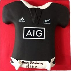 ALL BLACKS CUSTOM T-SHIRT CAKE